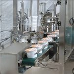 Automatski aparat za brtvljenje čaša za sladoled