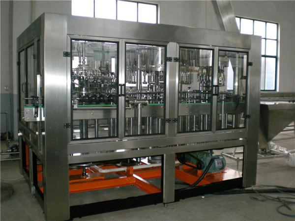 Automatski stroj za punjenje vode u staklenu bocu