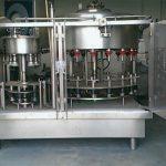Stroj za punjenje boca s negativnim pritiskom od 10 glava