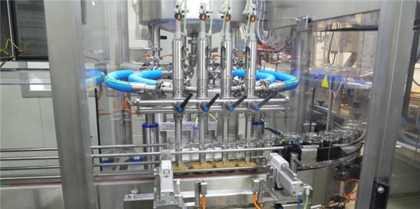 Stroj za automatsko punjenje rajčice visoke učinkovitosti